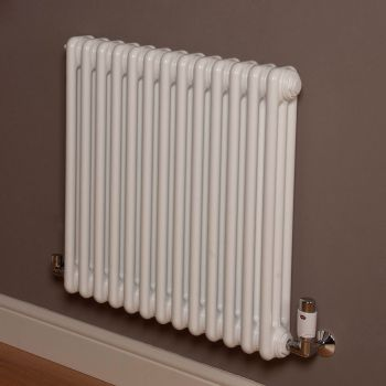 Old Style Gloss White 3 Column Radiator 600mm high x 609mm wide