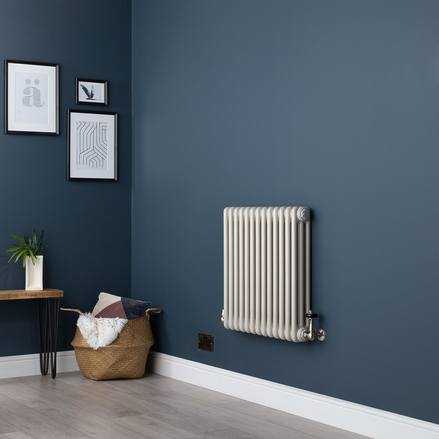 Old Style Horizontal Small Three Column White Hammered Gold Traditional Radiator 600mm High X 609mm Wide